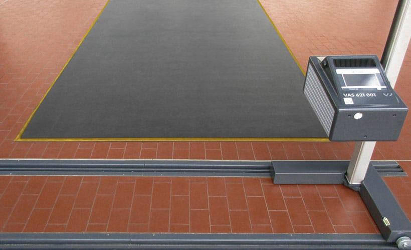 Scheinwerfereinstellplatz Lichteinstellplatz Aschaffenburg – NSI PHG fertiger Einstellplatz